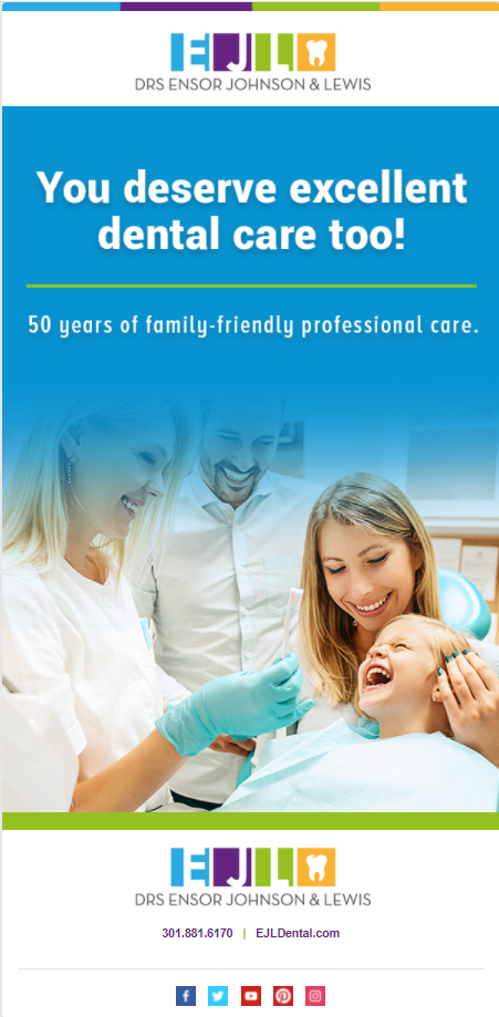 Child at the dentist with mother and father